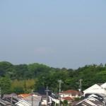 下弦の月のような富士山