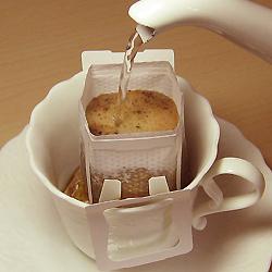 煎りたて、挽きたてのコーヒーで手作り