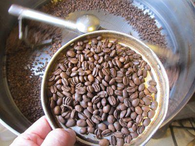 カフェインレスのモカ、焙煎しました