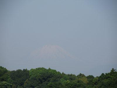雪解け進む、今朝の富士山