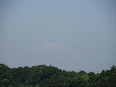 名残雪の富士山