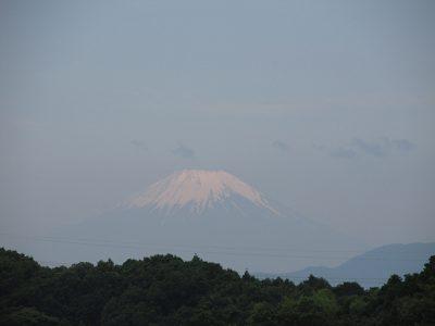雨上がりの月曜、富士山が綺麗です