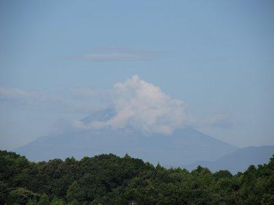 台風一過の真夏の富士山