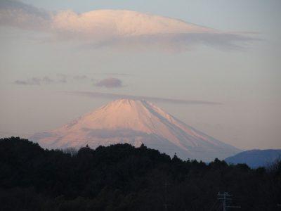イルカ雲と富士山