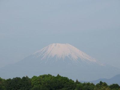 雨上がりで富士山が綺麗に見えました
