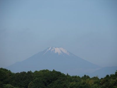 梅雨の中休みの富士山