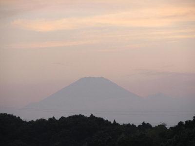 夏至の夜の富士山