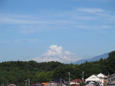 富士山の形をした雲、じゃなくて富士山です