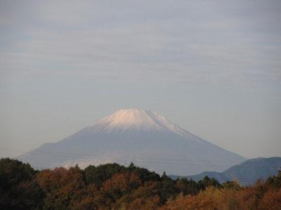 二段雪化粧の富士山
