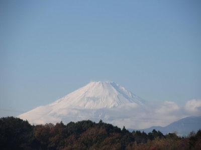 雨が上がり、富士山が見えてきた