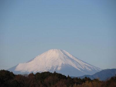 冬の嵐が去った後の富士山
