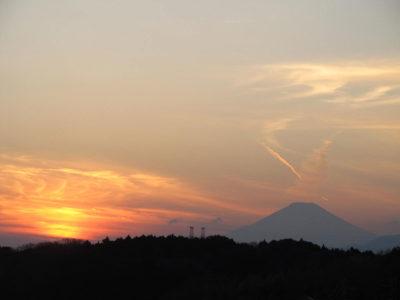 日の入りと富士山