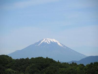 山開きの準備中?今朝の富士山の様子