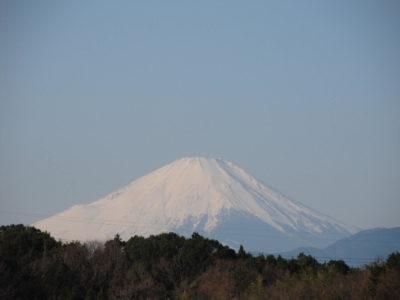 令和二年になってからの富士山と満月の画像