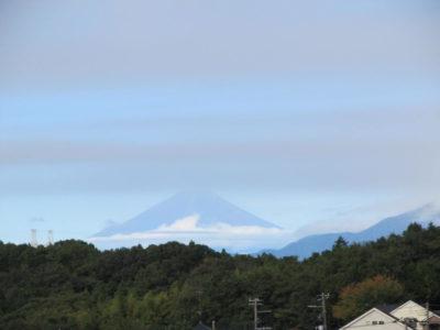 雲間の富士山