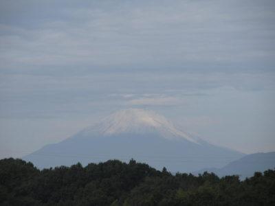 再び冠雪した富士山